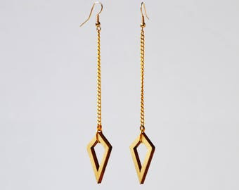 Cloud, gold-colored earrings with wooden hangers