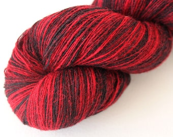 KAUNI Estonian Artistic Wool Yarn Black Red 8/1, Art Wool  Yarn for Knitting, Crochet