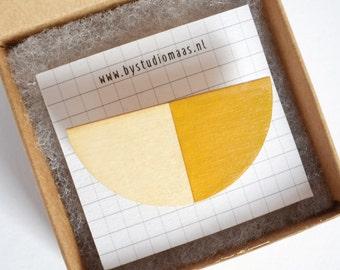 Mustard brooch, geometric brooch, wood pin, wooden jewelry, for her, minimal, modern, geometry, studiomaas, laser cut jewelry