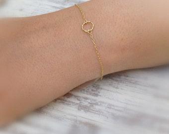 Gold filled bracelet,gold circle bracelet,delicate bracelet,tiny bracelet,everyday bracelet,gold filled,minimalist jewelry -511