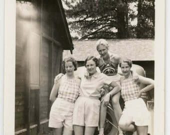 vintage photo Young Women Shorts Affectionate Twins Lesbian Int Grand Canyon