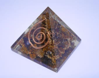 Orgonite pyramid - Tigers Eye crystals and gemstone for healing - reiki and full moon charged