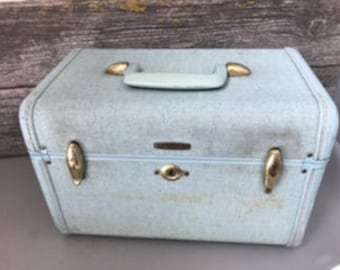 Amazing Vintage Samsonite Traincase - We specialize in vintage luggage