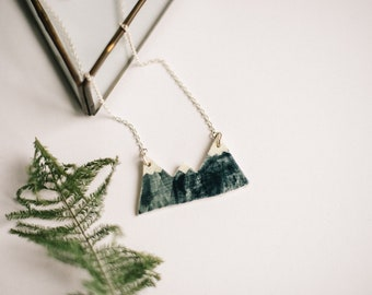Mountain jewellery. Mountain necklace, ceramic necklace, rustic nature accessories. Handmade clay necklace. Ceramic jewelry. mountains