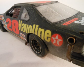 Classicwrecks, Rusted Scale Model, Ford Thunderbird ,Nascar Car,Scale Model