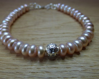 Peach Pearl and Sterling Silver Bracelet.  Pearl Jewellery