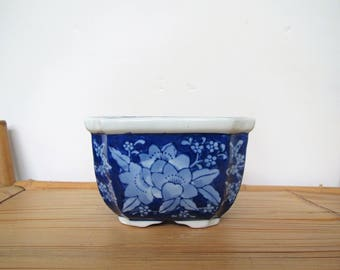 Vintage Asian planter/blue and white planter/Chinoiserie