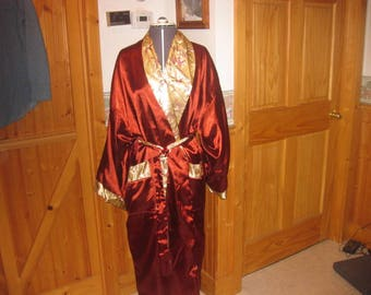 Vtg Elegant Glam reversible Robe in one size up to XL Satin Rust and Gold paisley print extreme Glam quality