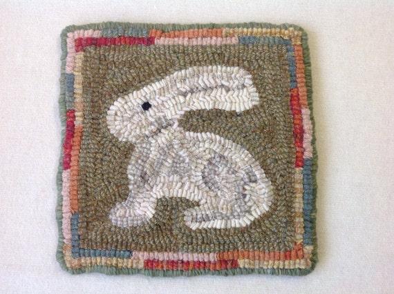 """Rug Hooking PATTERN, Bunny Mat, 8"""" x 8"""", J911, DIY Primitive Rug pattern, Wide Cut Rug Hooking"""