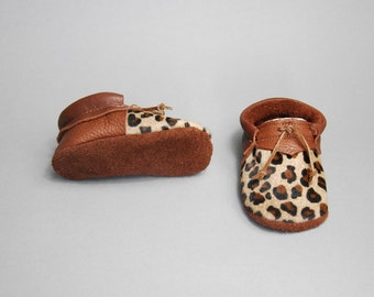 """Moccasins/Moccs/Slippers/Babyshoes """"Tiger Lilly"""" made from vegetable tanned eco friendly leather"""