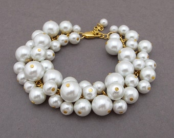 Chunky Pearl Bracelet, White Pearl Bracelet, Large Pearl Bracelet, Bridesmaid Jewelry, Gold Chain Statement Bracelet