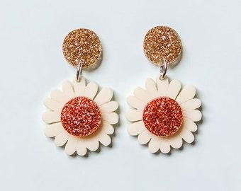 EARRINGS | Daisy : Mid And Fancy Hello Miss May Drop Earrings