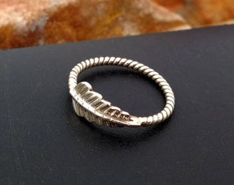 Sterling Silver Leaf ring with twisted wire band - Silver Leaf Ring - Sterling Silver Twisted band ring -  Leaf ring - Handmade ring silver