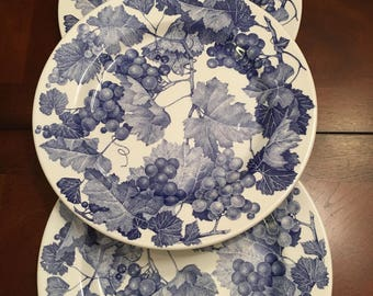 Furio Dinner Plates Set of 3 Blue Grapes Made in Italy