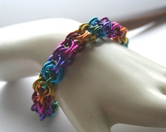 Bracelet Inverted Round Chainmaille Rainbow 7.5 inches