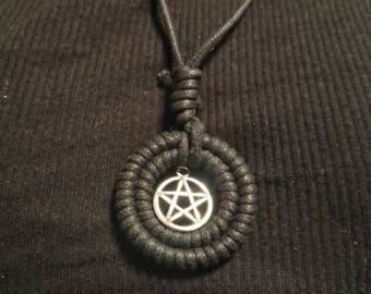 Trollkvinnens sirkel necklace, witchcraft, pentackle,pagan, norse jewlery, wiccan, coven, goth, fantasy, witchy, alternative,pentagram
