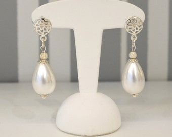 Earrings Pearl and Sterling Silver and pearl earrings