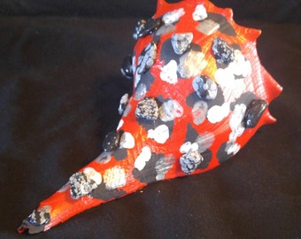 Painted Whelk with Snowflake Obsidiain Leopard Print