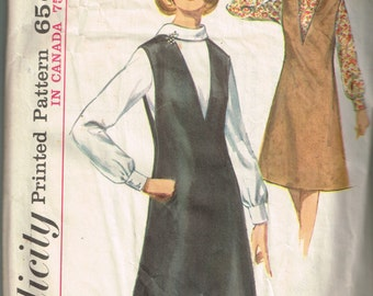 60s Jumper and Blouse Pattern Simplicity 5633 Bust 36 V Neck Jumper Roll Collar Long Sleeved Blouse Classy Vintage 1964 Sewing Pattern