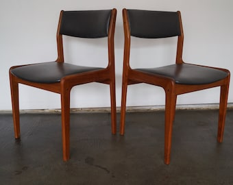 Beautiful Pair Of Mid Century Danish Modern Dining Chairs Reupholstered In  A High End Charcoal Vinyl   Beautiful Teak!