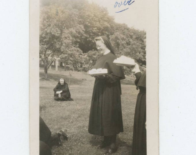 """Vintage Snapshot Photo: """"The protruding tummy with the first plate of cake is me"""" 7/4/47 (712627)"""