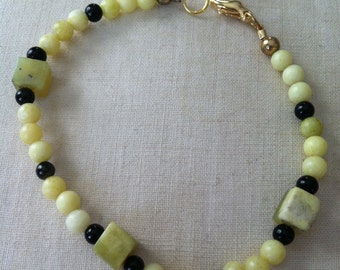 Lemon jade and black bracelet