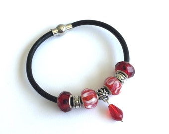 Leather bangle, bracelet with red European beads and crystals