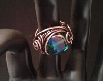 Twisted copper wire ring, size 5, with glass bead
