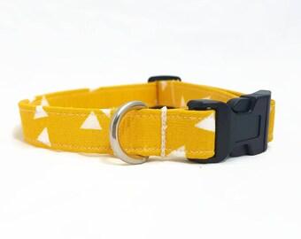 """Hundehalsband - """"Dreieck"""" -  Klein/Medium/Groß/Extra Groß - Trendy Hundehalsband  - Gelbes Hundehalsband - Hipster Hundehalsband - Stabil"""