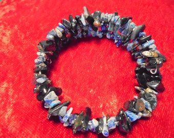 Blue lapis and tiger eye memory wire bracelet
