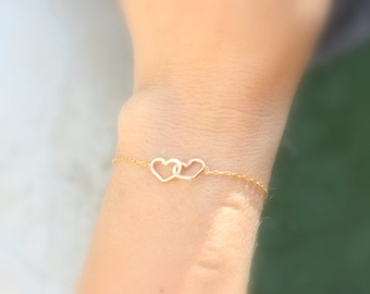Simple Double Heart Bracelet , Dainty Heart Link Bracelet  - Minimal Layering Heart Bracelet in Silver, Gold, Rose Gold - Sister gift