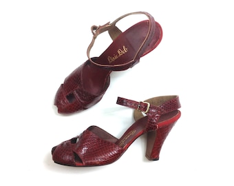 40s Red Wine Peep Toe Pumps  | Snakeskin High Heel Shoes | Dixie Debs | Size 7.5