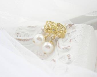Bridal earrings, bridal jewelry, bridal jewellery, bridal earrings, wedding earrings, pearl earrings, gold earrings