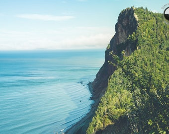 Turquoise blue water. Gaspésie region, Percé, Atlantic ocean.