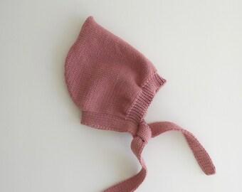 Vieux Rose pixie hat 100% fine Merino wool