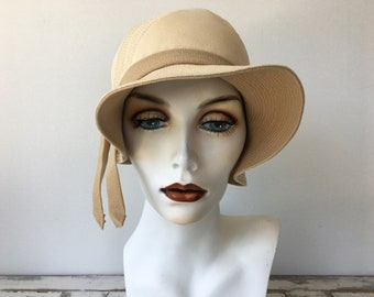 1920s Vintage Soft Flapper Hat / Day Or Evening Hat In Cream Colour