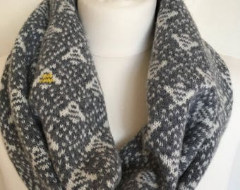 Knitted lambswool snood