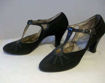 Wonderful 1930s T-bar high heels w/cutouts US 6 / UK 4