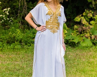 White Moroccan kaftan  Batwing Maxi Dress , Dubai Sexy Arabian Abaya one size fits from XS to 2XL caftan with gold embroidery