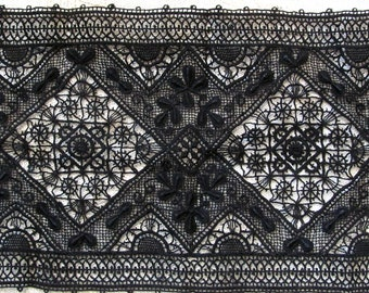 """Black Antique VERY Wide Insert; Double Edge Triangle Pattern 7-1/2"""" Wide"""
