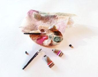 Miniature 1:12 dollhouse artist's palette /miniature colors and brush / Dollhouse decoration palette / Color palette for dollhouse