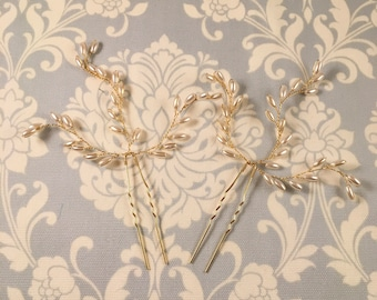 Pearl Hair Pin // Wedding hair accessory