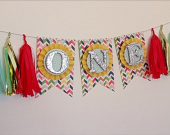 Gender Neutral High Chair Cake Smash Banner with Tassels. ONE Banner. Age Banner. First Birthday Decor. Birthday Banner. ONE Photo Prop