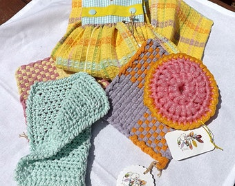 Deluxe Handmade Kitchen Gift Set: Oven Door Hand Towel, Two Potholders, One Dishcloth, One Nylon Scrubby, Hostess Gift, Cabin Gift