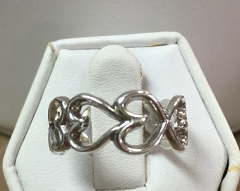 Sterling Silver  Eternal Love Heart Ring Size 6.5