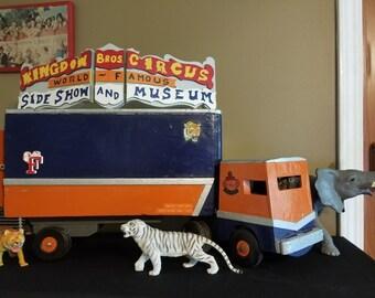 One of a king Ringling Brother's Barnum Bailey circus Kingdon Bro Circus Truck