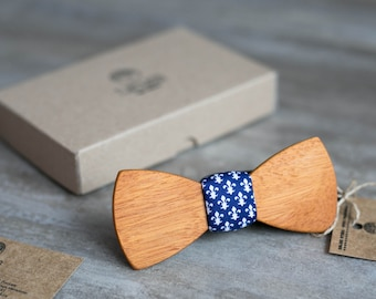 Wooden bow tie, wood bowtie, wooden bowtie, Heraldic Lily  tie, wedding Groomsmen bowtie  gifts, Boyfriend gift, Gifts for Him, Personalized