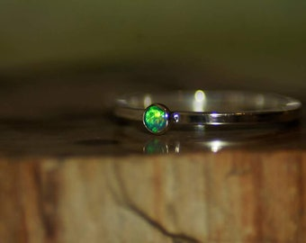 Small crystal opal ring
