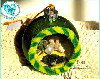 Retro Turtle Ornament, Sea Turtle Diorama, OR014, Green, Yellow
