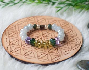 Faceted Czech Glass beaded bracelet in Purple, Green & White